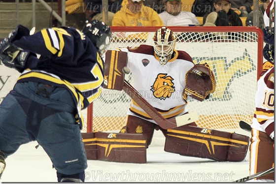Kasimir Kaskisuo makes a save vs. Lakehead on Monday night.
